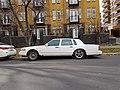 Lincoln Town Car - Flickr - dave 7 (1).jpg