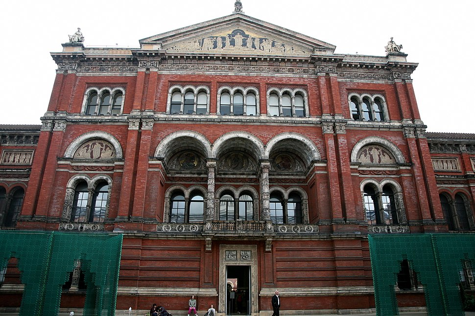 London-Victoria and Albert Museum-Building-01