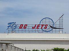 Long Beach Airport (8760350622)