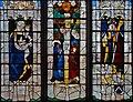 Louviers - Eglise Notre-Dame - Vitrail composite - Vierge à l'Enfant, Crucifixion, saint Nicolas et les armoiries de Guillaume II Le Roux (baie n°17).jpg