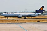 Lufthansa Cargo, D-ALCE, McDonnell Douglas MD-11F (44339372772).jpg
