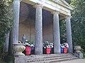 Luisen-Tempel 2010 - panoramio.jpg