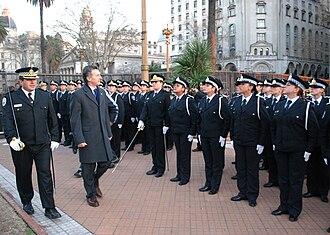Mauricio Macri - Macri inspecting Metropolitan Police graduates
