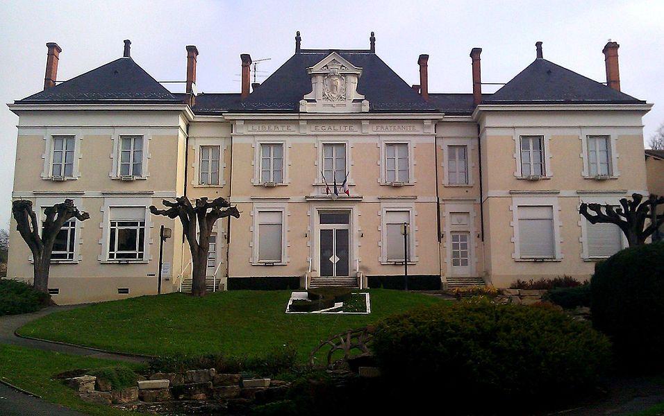 Mairie-école de Reyrieux (Ain, France), inaugurée le 16 octobre 1904 par le président de la république Emile Loubet. Delorme, architecte.