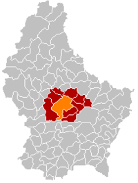 Map of Luxembourg with Mersch highlighted in orange, the district in dark grey, and the canton in dark red