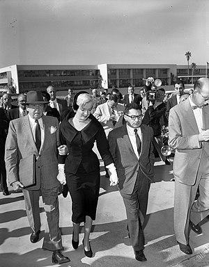 Sidney Skolsky - Jerry Giesler, Marilyn Monroe, and Sidney Skolsky