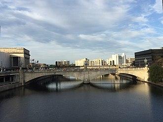 Market Street Bridge (Philadelphia) - Image: Market Street Bridge (Philadelphia) 2017