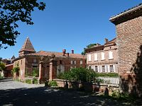 Mauvaisin castle eg.JPG