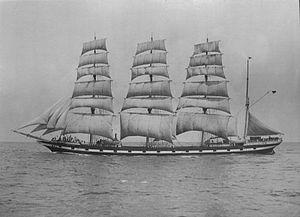 Medway (1902) - Image: Medway (ship, 1902) SLV H91.250 242