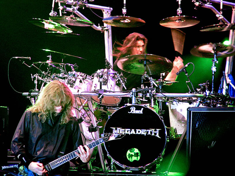 Imagen:Megadeth live in Bucharest, June 15th, 2005.jpg