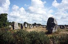 Die Steinreihe 220px-MegalithreihenCarnac