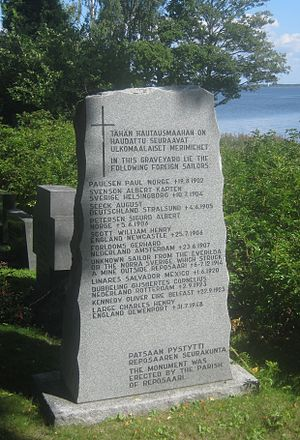 Reposaari - Memorial of foreign sailors at Reposaari cemetery.
