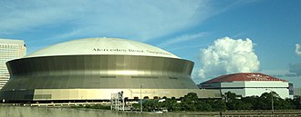 Mercedes-Benz Superdome and Smoothie King Center in New Orleans. Mercedes Benz SuperDome and Smoothie King Arena, New Orleans LA.jpg