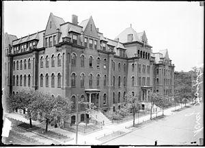 Mercy Hospital and Medical Center - Mercy Hospital: 2537 S. Prairie Avenue (1910)