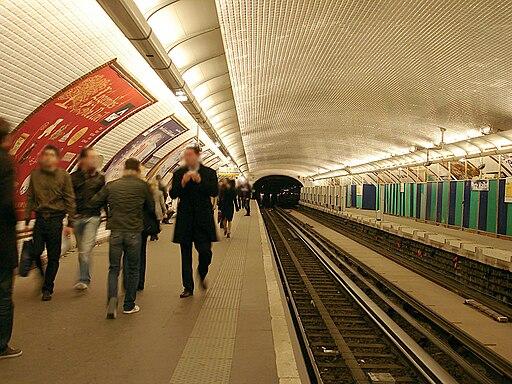Metro de Paris - Ligne 1 - Porte Maillot 09