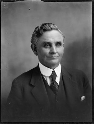 Peter Fraser (New Zealand politician) - Fraser helped Michael Joseph Savage (pictured) to first enter Parliament in 1919