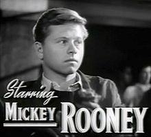 Mickey Rooney en 1943 en una scena d'a cinta The Human Comedy.