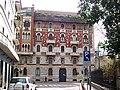 Milano - Palazzo eclettico in Via Francesco Sforza - panoramio.jpg