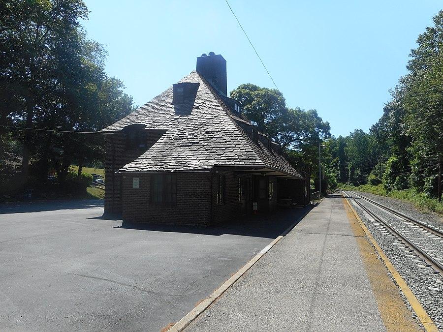 Mill Neck station