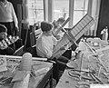Modelbouwerskamp te Ermelo, barakken waarin reparaties verricht kunnen worden, Bestanddeelnr 911-4708.jpg