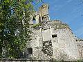 Montépilloy (60), château, tour neuve et mur sud du logis noble.JPG