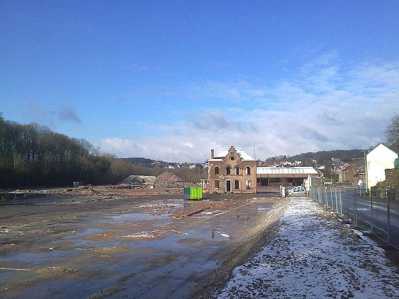 Commune de Mont-Saint-Guibert: déblayage du site des papeteries. Février 2013.