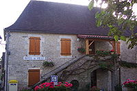 Montfaucon Lot mairie.jpg