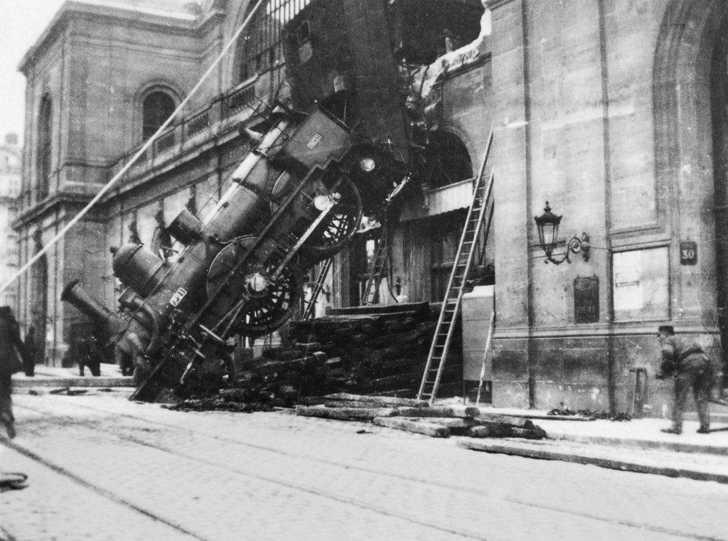 Escena del accidente de la estación de Montparnasse.