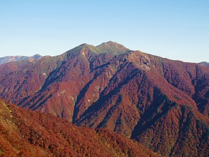 Mount Asahi-Kasa-Shiragamon view from Tenjin Pass 2015-10.jpg