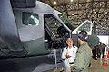 Na Base Aérea de Porto Velho (RO), Amorim recebe informações sobre helicóptero (8101386877).jpg