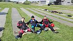 Na starcie spadochronowym Anna Bieniek, Dariusz Nawacki i Marcin Krupa.jpg