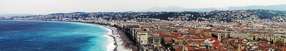 Panorama of the town (including many main sights, like Hotel Negresco) and the beach
