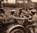 Norton de Matos provando o pão dos soldados - Portugal na Guerra (15 Set. 1917).png