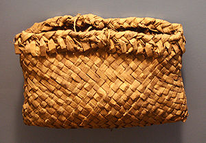 Wild rice - Ojibwa wild rice pouch, cedar bark, American Museum of Natural History