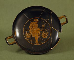 Conservation and restoration of ancient Greek pottery - Onésimos red-figure Kylix with a youth carrying a pole with two baskets ca 490 BCE from the Thorvaldensmuseum cc0 H605
