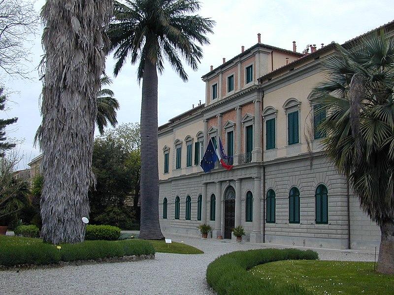 File:Orto botanico di Pisa 4.jpg