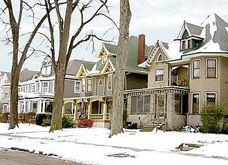 Old West End District (Toledo, Ohio) - Examples of Old West End architecture on Robinwood