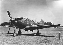 Avion de chasse posé