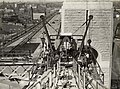 Painting crane and staging on top chord , Sydney Harbour Bridge (8028391312).jpg