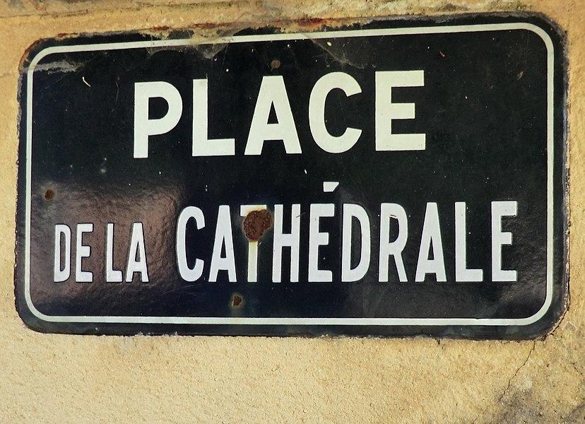Panneau de la place de la Cathédrale à Belley.