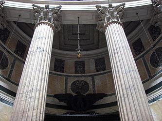 Pantheon interior columns 2.jpg