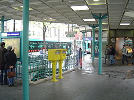 Paris metro3 - porte de champeret - entrance.jpg