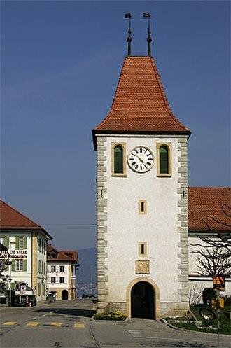 Cudrefin - Cudrefin village clock tower
