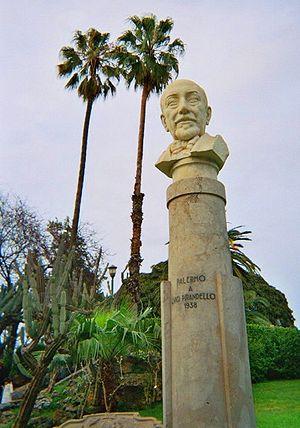 Luigi Pirandello - Bust of Pirandello in a public park in Palermo