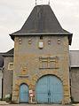 Porte chateau Verneville.jpg
