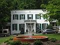 President's Cottage Capon Springs WV 2009 07 19 02.jpg