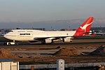 Qantas Boeing 747-438 VH-OJA (22248250525).jpg