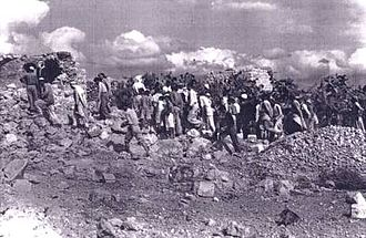Unit 101 - Inhabitants of Qibya coming back to their village after the attack.