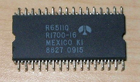 A Rockwell 6502-based microcontroller in a QIP package R6511.jpg
