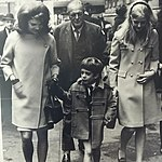 Randolph Churchill with daughter Arabella and Jacqueline Kennedy.jpg